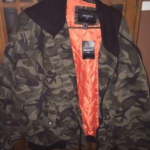 Men's camo hooded jacket